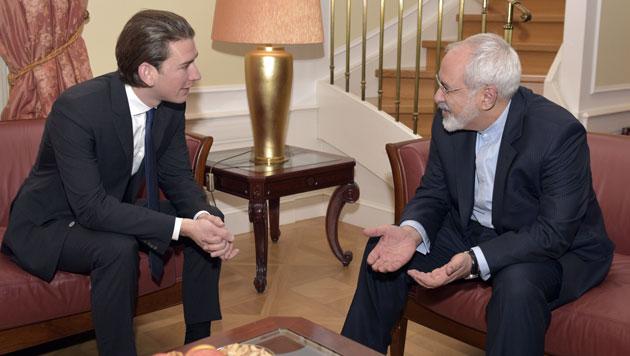 Außenminister Sebastian Kurz (li.) und sein iranischer Amtskollege Javad Zarif (Bild: APA/HANS PUNZ)