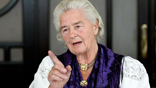 """""""Wut-Oma"""" bekam in Finanz-Strafverfahren Recht (Bild: APA/Herbert Neubauer)"""