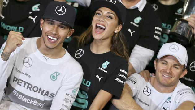 So feierte Lewis Hamilton seinen WM-Titel (Bild: APA/EPA/VALDRIN XHEMAJ)
