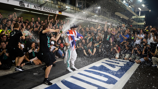 So feierte Lewis Hamilton seinen WM-Titel (Bild: GEPA)