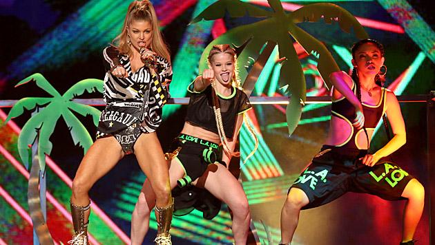 Auch Fergie meldete sich mit einer heißen Performance aus der Babypause zurück. (Bild: Matt Sayles/Invision/AP)