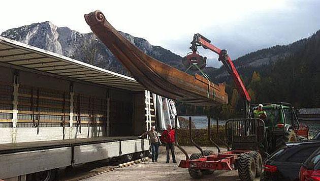 Ein traditionelles Plätten-Boot wurde in die Pinewood-Studios gebracht. (Bild: Privat)