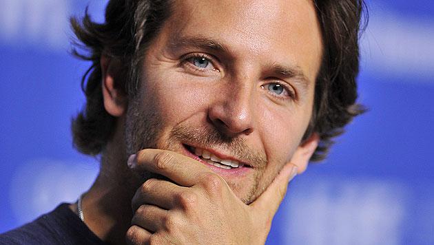 "Bradley Cooper hat Angst vor den ""Oompa Loompas"". (Bild: AP)"