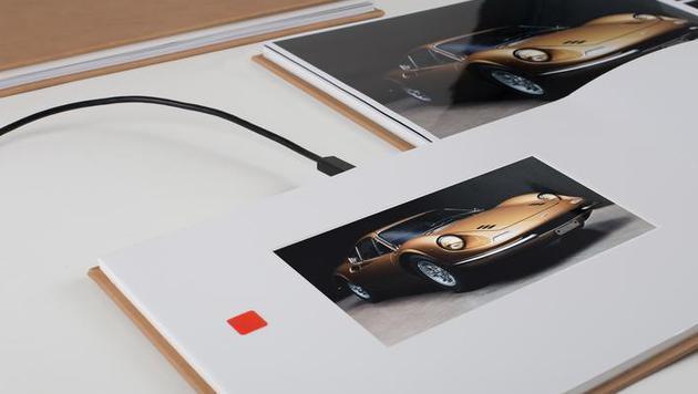 Fotobuch mit integriertem Touchscreen (Bild: Fujifilm)