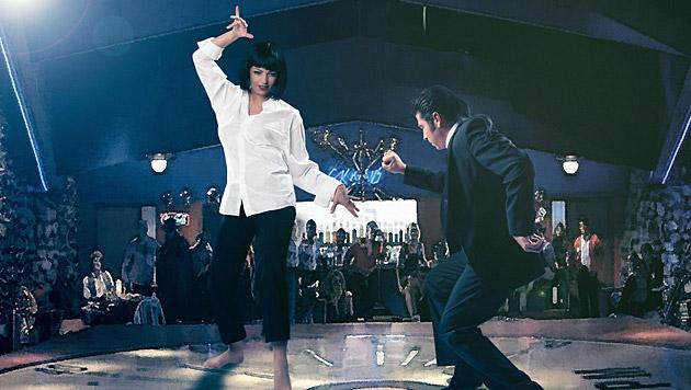 """Es ist DIE Tanzszene schlechthin: Petra Frey versucht sich in Uma Thurmans """"Pulp Fiction""""-Tanz. (Bild: Manfred Baumann)"""