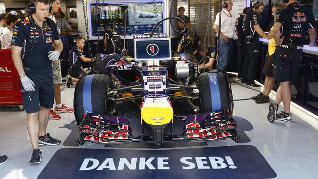 Vettel darf noch nicht in den Ferrari steigen! (Bild: AP)