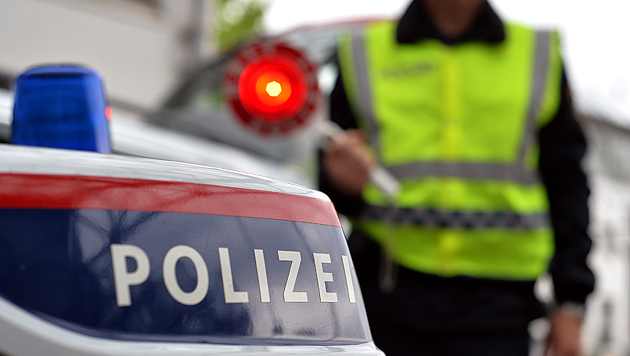 Verfolgungsjagd und Polizisten attackiert (Bild: APA/BARBARA GINDL)