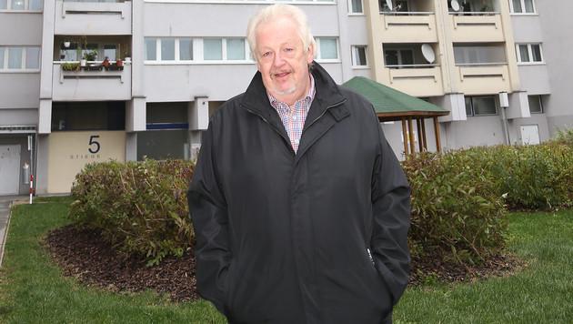 """Nachbar Bernhard T.: """"Ich habe mir gedacht, er könnte einer von denen sein."""" (Bild: Zwefo)"""