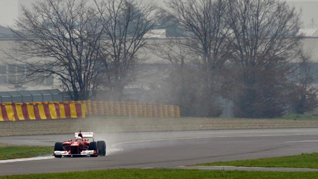 Sebastian Vettel erstmals im Ferrari unterwegs (Bild: Ferrari)
