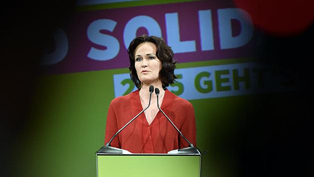 Eva Glawischnig bei ihrer Rede am Sonntag anlässlich des 35. Bundeskongresses der Grünen in Wien (Bild: APA/Herbert Neubauer)
