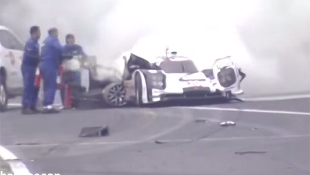 Mark Webbers Horror-Unfall hier im Video (Bild: YouTube.com)