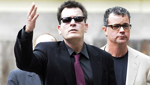Auch Charlie Sheen legt sich gerne mit seinen Mitmenschen an. (Bild: RICK GIASE/EPA/picturedesk.com)