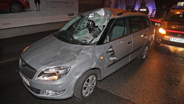 Entlaufenes Pferd rammt Auto - Lenkerin verletzt (Bild: Andi Schiel)