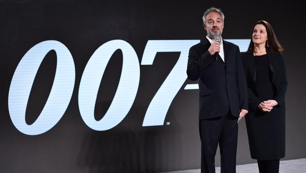 Sam Mendes und Bond-Produzentin Barbara Broccoli (Bild: AFP)