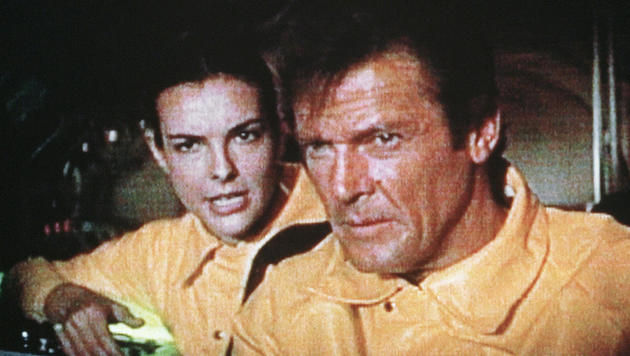 """""""In tödlicher Mission"""" von 1981 gab Carole Bouquet das Bond-Girl von Roger Moore. (Bild: EPA)"""