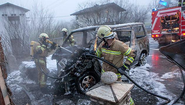 Für den Lenker des Kleinbusses gab es keine Rettung mehr. (Bild: Niki Faistauer)