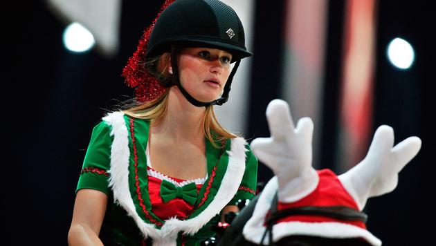 Pferde-Sensation: Gates-Tochter reitet in Salzburg (Bild: AP/Thibault Camus)