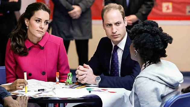 Das royale Paar besuchte anschließend ein Zentrum für obdachlose Jugendliche. (Bild: AP)