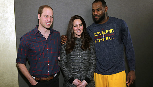 William und Kate mit LeBron James (Bild: APA/EPA/Neilson Barnard/POOL)