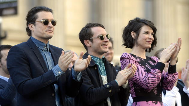 Orlando Bloom, Elijah Wood und Evangeline Lilly  applaudieren Jackson. (Bild: EPA)
