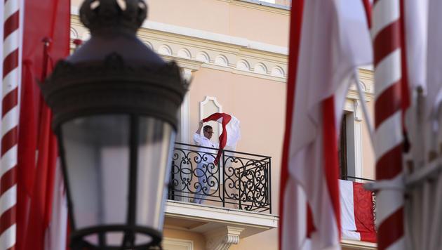 In Monaco wurden Häuser und Gebäude zur Geburt der prinzlichen Zwillinge mit Fahnen geschmückt. (Bild: AFP)
