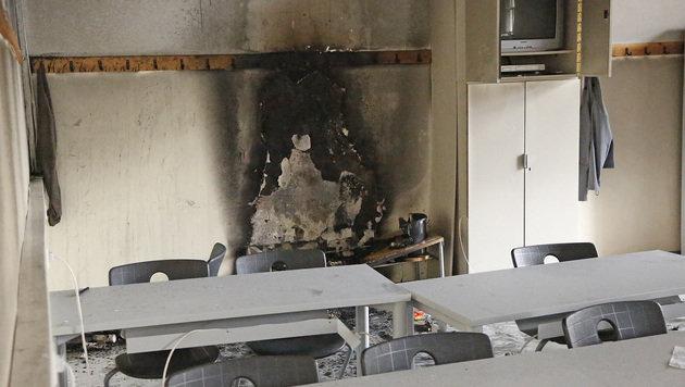 Ein Mistkübel stand in Flammen (Bild: Martin A. Jöchl)