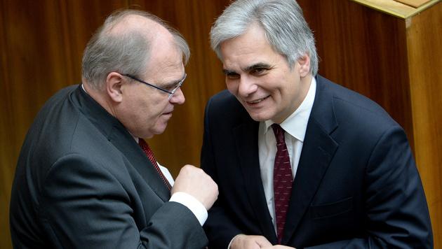 Justizminister Wolfgang Brandstetter und BK Bundeskanzler Werner Faymann (Bild: APA/ROLAND SCHLAGER)