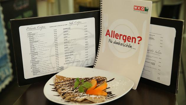 Jetzt wird es ernst: Speisekarten ohne Allergene sind tabu. (Bild: Peter Tomschi)