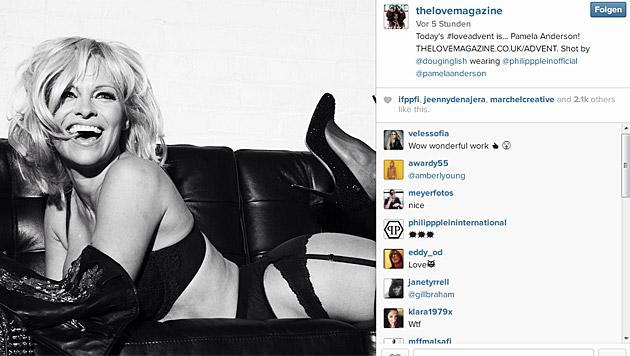 Heiß! Pamela Anderson macht den Advent noch schöner. (Bild: instagram.com/thelovemagazine)