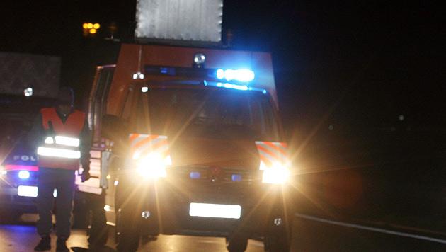 Pkw-Lenker hielt plötzlich auf Überholspur an (Bild: APA/REINHARD MOHR (Symbolbild))