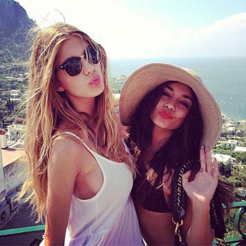 Camila Morrone und Vanessa Hudgens (Bild: instagram.com/cami_morrone)
