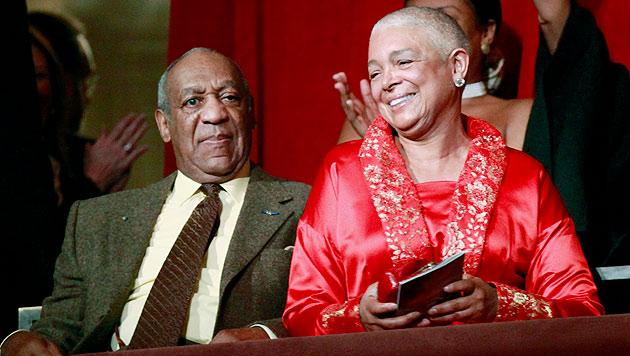 Bill Cosby mit seiner Frau Camille auf einem Archivbild aus dem Jahr 2009 (Bild: AP)