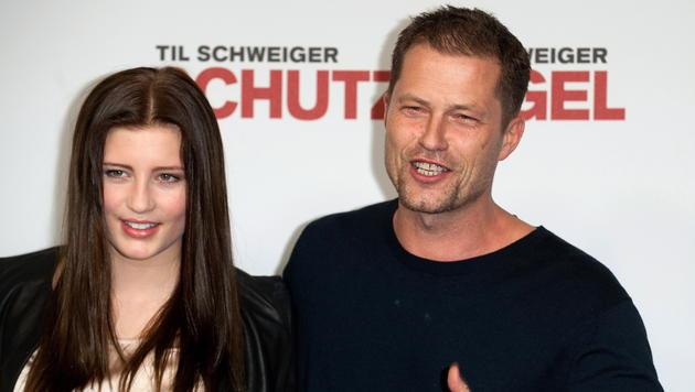 Luna Schweiger mit ihrem Vater Til (Bild: EPA)