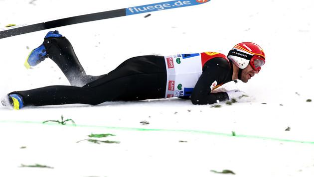 Christoph Bieler bei Probesprung schwer gestürzt (Bild: Sepp Pail)