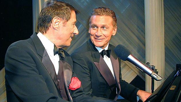 Wien 2002: Rainhard Fendrich und Udo Jürgens zum ersten Mal im Duett (Bild: HAUPTMANN WOLFGANG/APA/picturedesk.com)