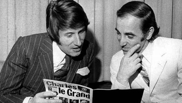 Zwei Große ihres Fachs unter sich: Udo Jürgens mit dem französischen Chansonsänger Charles Aznavour (Bild: dpa)