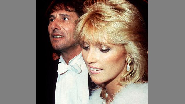 Udo Jürgens mit seiner Freundin und späteren Ehefrau Corinna beim Wiener Opernball 1987