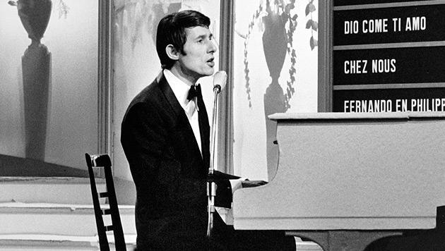 """Udo Jürgens beschert Österreich mit """"Merci, Cherie"""" beim Song Contest 1966 den Sieg. (Bild: APA/EPA/STR)"""