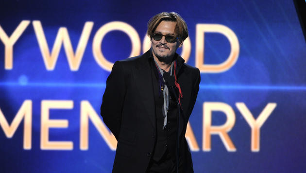 Johnny Depp betrunken bei den Hollywood Film Awards im November 2014. (Bild: AP)