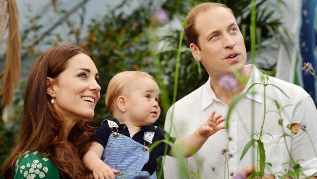 Kate, George und William (Bild: AP)