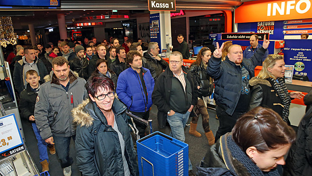 Gutscheine, Bargeldgeschenke: Der 27.12. ist einer umsatzstärksten Tage des Jahres. (Bild: Peter Tomschi)