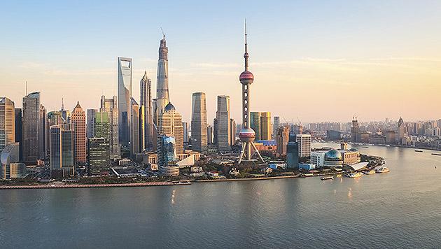 Drache im Höhenrausch: Shanghai wächst und wächst (Bild: thinkstockphotos.de)