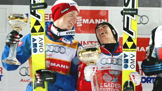 Kraft siegt vor Hayböck bei Tournee in Oberstdorf (Bild: APA/EPA/Fredrik von Erichsen)