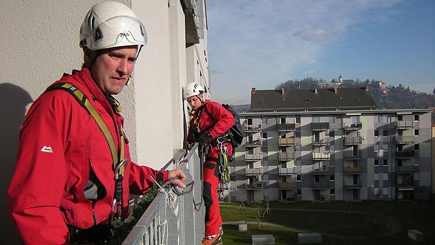 Tierischer Einsatz für die Höhenretter (Bild: Berufsfeuerwehr Graz)