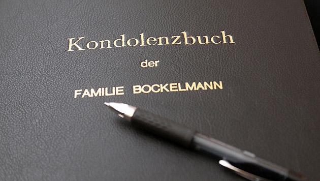 Das Kondolenzbuch in Klagenfurt (Bild: Uta Rojsek-Wiedergut)