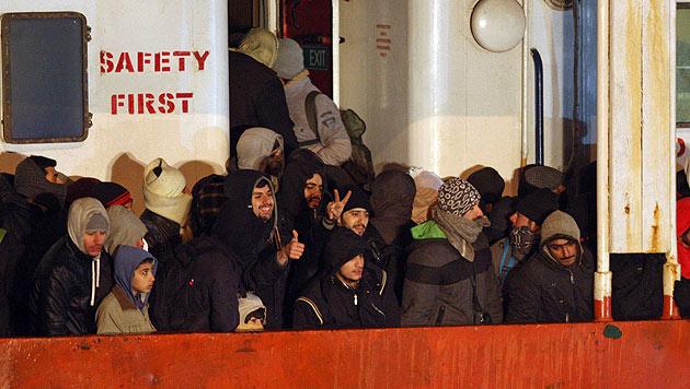 EU-Quotenplan: 1.213 Flüchtlinge für Österreich (Bild: AP)