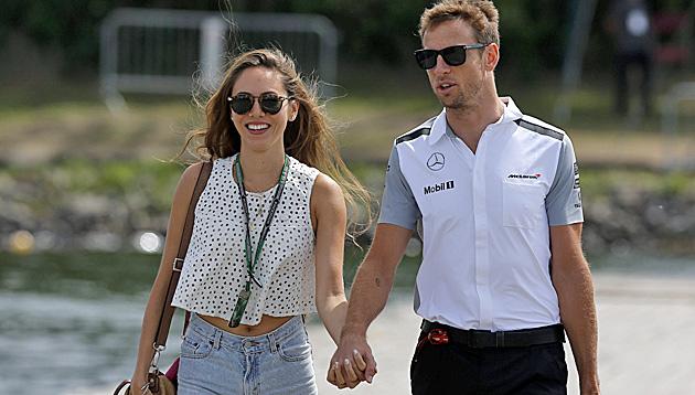Jenson Button hat auf Maui seine Jessy geheiratet (Bild: APA/EPA/VALDRIN XHEMAJ)