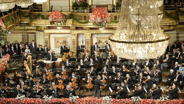 "Mehta dirigiert Neujahrskonzert mit ""Knalleffekt"" (Bild: APA/HERBERT NEUBAUER)"