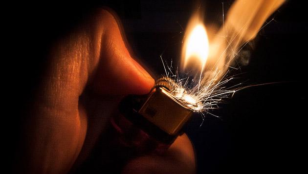 Brandserie in Salzburg geht weiter: Pkw in Flammen (Bild: thinkstockphotos.de (Symbolbild))
