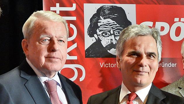Altkanzler Franz Vranitzky und Bundeskanzler Werner Faymann (Bild: APA/HERBERT NEUBAUER)